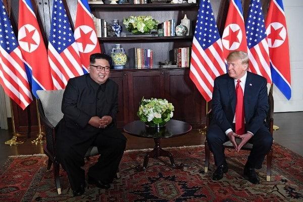 Người phiên dịch cho Donald Trump và Kim Jong Un là ai?
