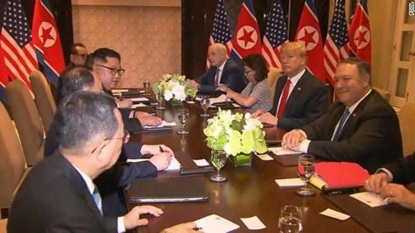 Tổng thống Mỹ và lãnh đạo Triều Tiên bắt đầu cuộc hội đàm mở rộng sau cuộc gặp riêng.